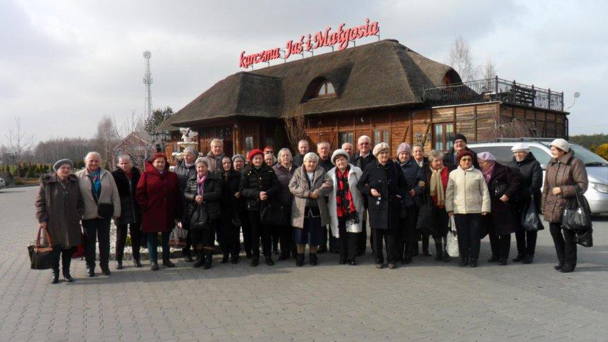 Seniorzy z DDSenior+ na wyjeździe do Radomia.