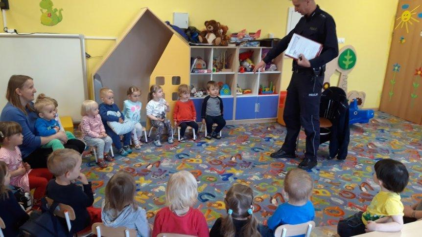 Spotkanie z policjantem w Klubie Malucha