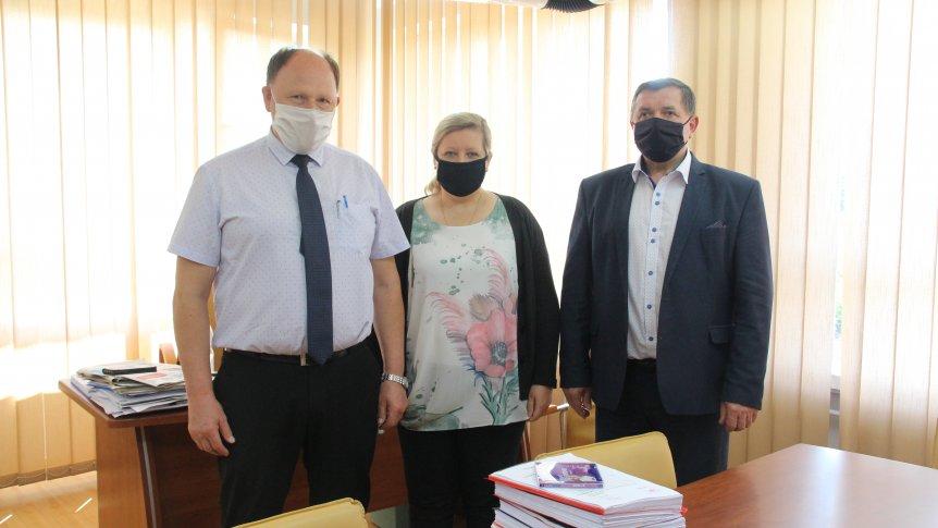 Gmina przekazała na rzecz powiatu przysuskiego dokumentację techniczną  strzelnicy sportowo-wojskowej w Lipinach.