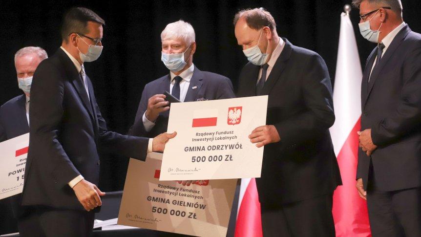 Premier Mateusz Morawiecki przekazał gminie Promesę na dotację z rządowego Funduszu Inwestycji Lokalnych