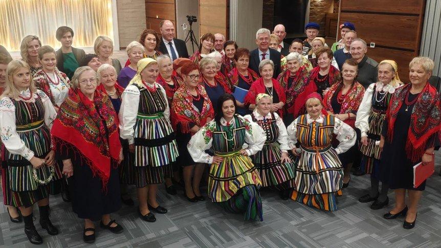"""Dzienny Dom Senior Plus w Odrzywole zaprezentował folklorystyczne widowisko """"Wesele Opoczyńskie"""""""