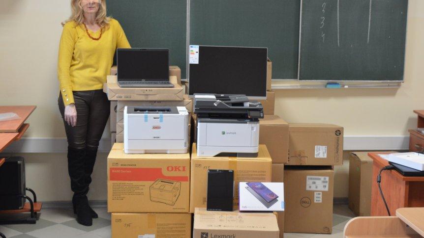 Kolejny sprzęt informatyczny dla szkoły w Odrzywole.